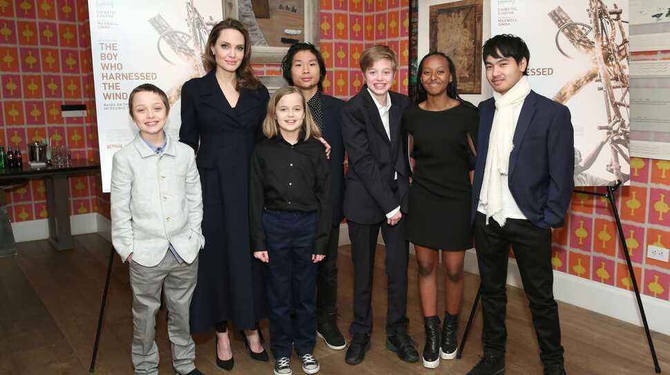 Анджелина Джоли заявила, что никто из шести ее детей не хочет быть актером