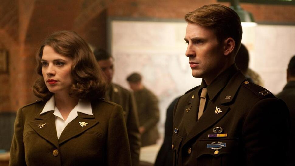 Сценаристам «Мстителей: Финал» нравится, что фанаты все еще спорят о концовке истории Капитана Америки