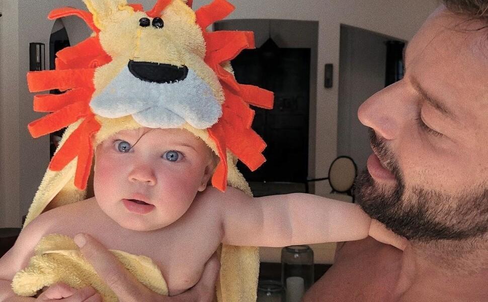 «Какая красавица!»: Рики Мартин показал фото годовалой дочери Люсии
