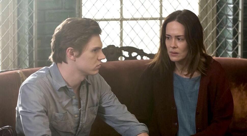 Сара Полсон вернется в 10 сезоне «Американской истории ужасов» только с Эваном Питерсом