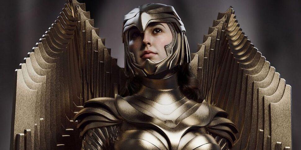 Создательница «Чудо-женщины: 1984» сравнила новую броню Дианы с бэткостюмом