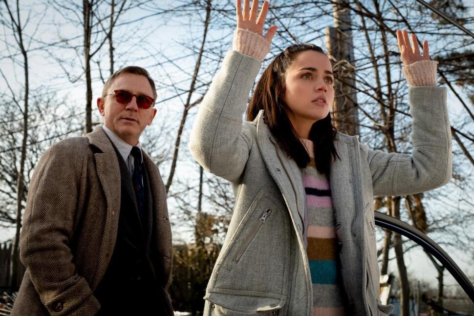 Симпатичная латиноамериканская сиделка: Ана де Армас едва не отказалась от роли в «Достать ножи» из-за предубеждений