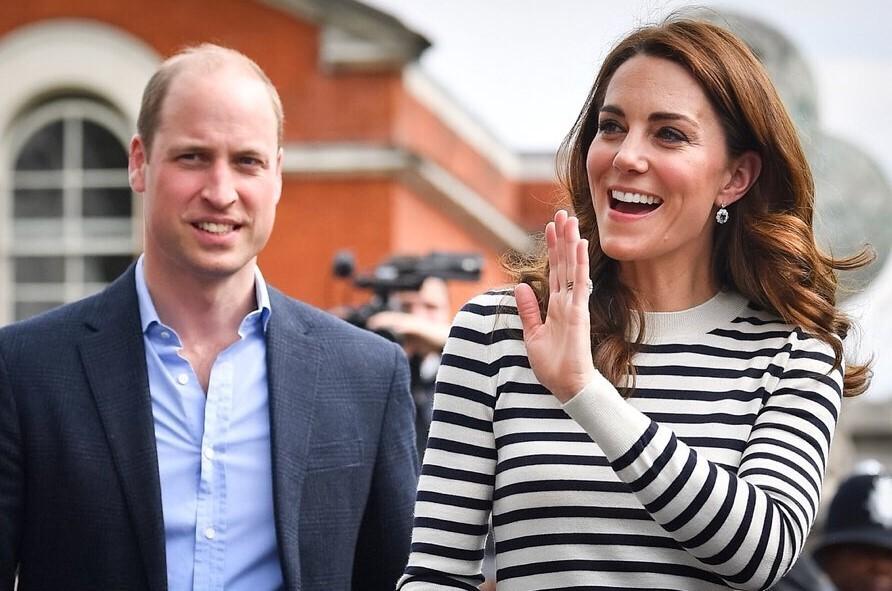 Инсайдер о встрече с Кейт Миддлтон и принцем Уильямом в самолете: «Вы не ожидаете увидеть их в эконом-классе»