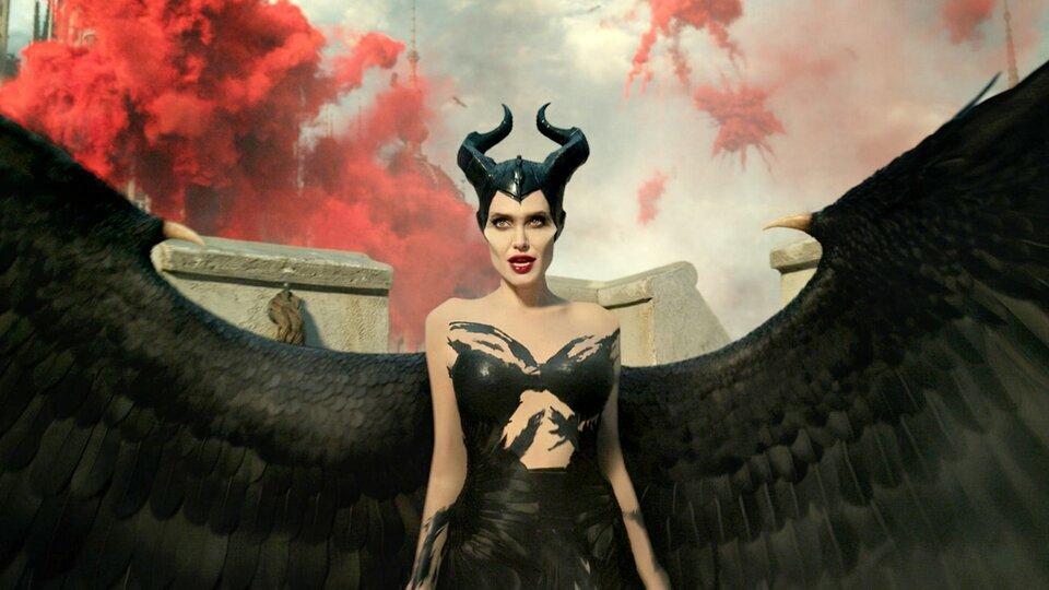 Критики похвалили Анджелину Джоли в сиквеле «Малефисенты», но не сам фильм