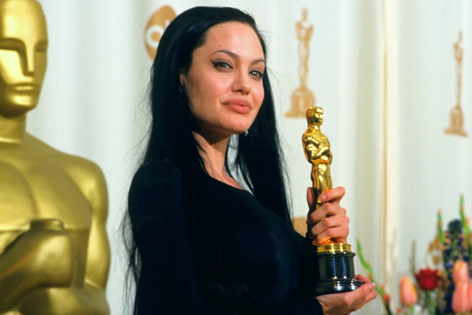 10 голливудских звезд, умудрившихся потерять (или чуть было не потерять) свой «Оскар»