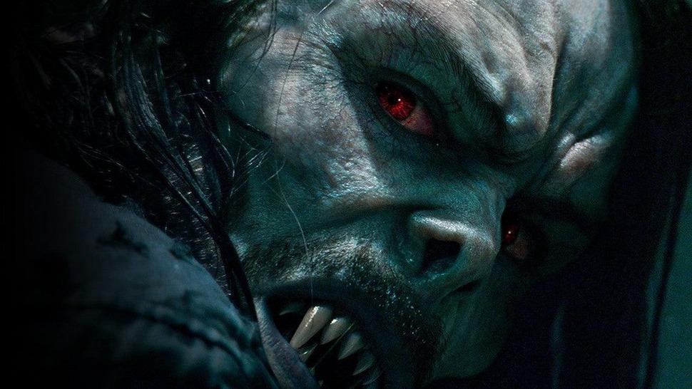 Джаред Лето и живой вампир на постере кинокомикса «Морбиус»