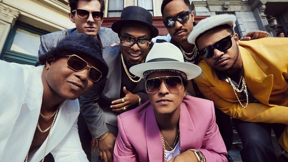 Billboard перечислил 10 самых хитовых песен десятилетия