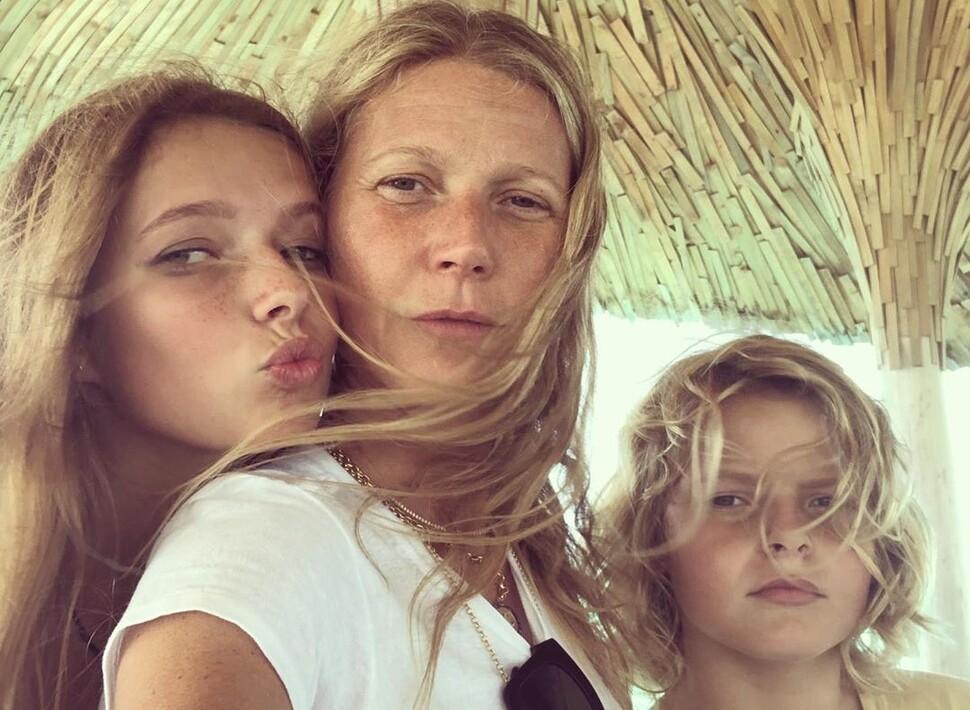 Гвинет Пэлтроу назвала себя ужасной матерью: «Моя дочь меня стыдится»