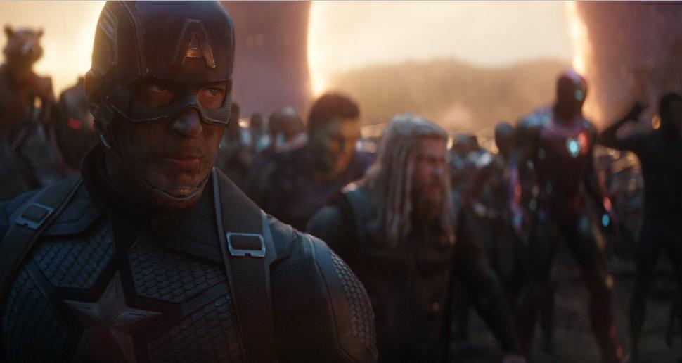 Из героев в бунтовщиков: Крис Эванс одобрил переделанную битву из «Мстителей: Финал»