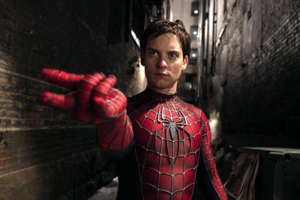 Сэм Рэйми рассказал, почему заменил стандартные веб-шутеры на органические в «Человеке-пауке»