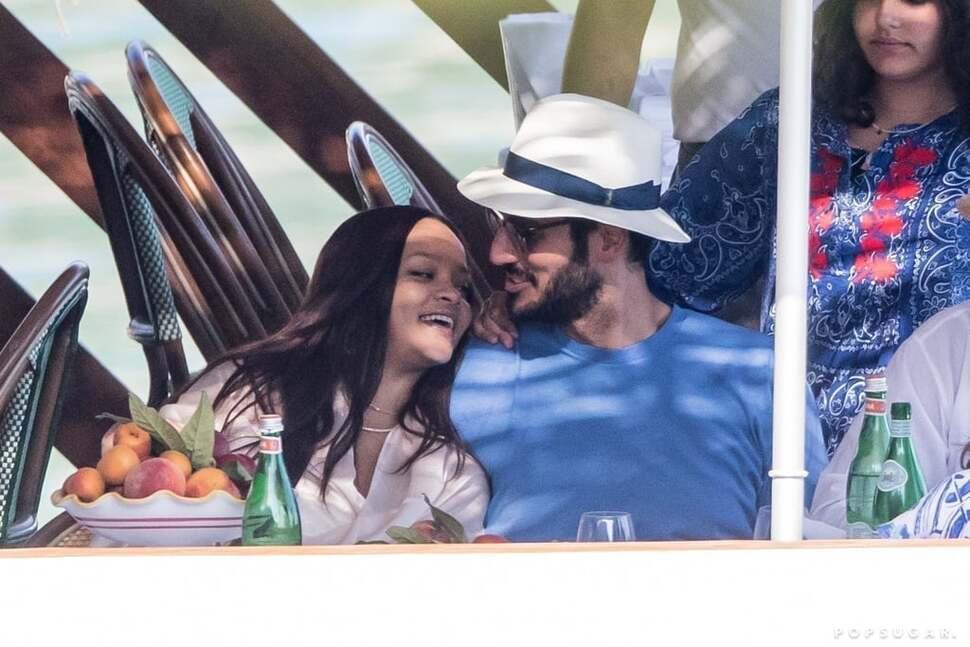 Расставание было тяжелым: арабский миллиардер попросил удалить общие фото с Рианной