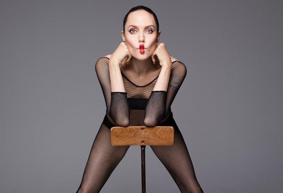 Картинки по запросу Анджелина Джоли фотосессии для Harper's Bazaar