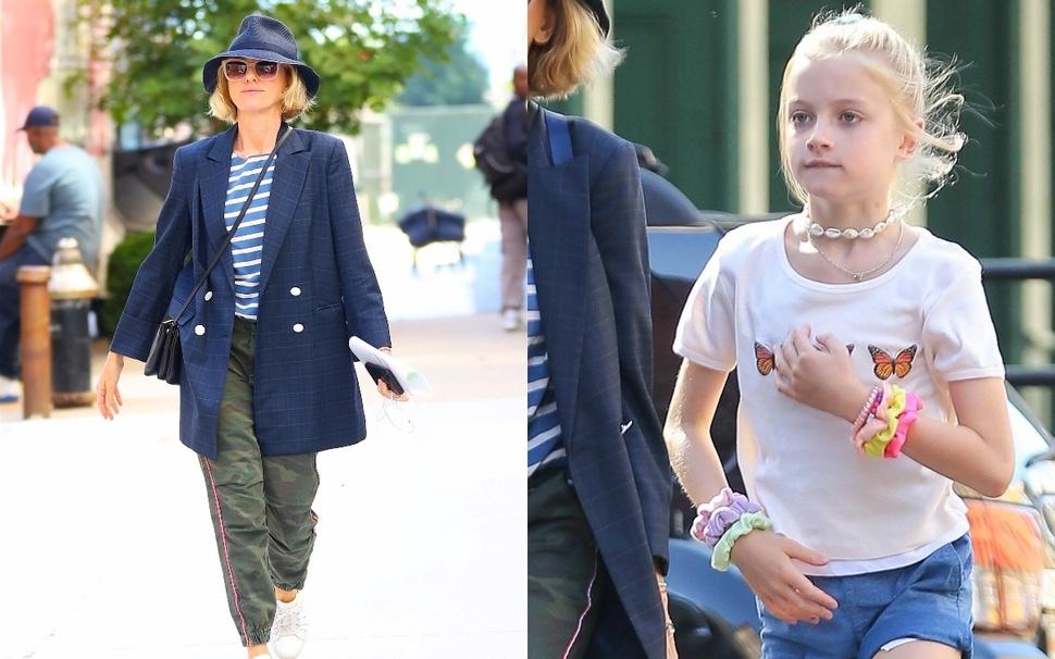 Как мама и дочь: Наоми Уоттс на прогулке с младшим сыном Сэмми