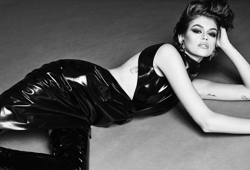 Девочка больше не девочка: Кайя Гербер снялась обнаженной для Vogue