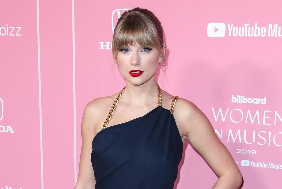 Тейлор Свифт осудила менеджера Джастина Бибера за токсичные мужские привилегии