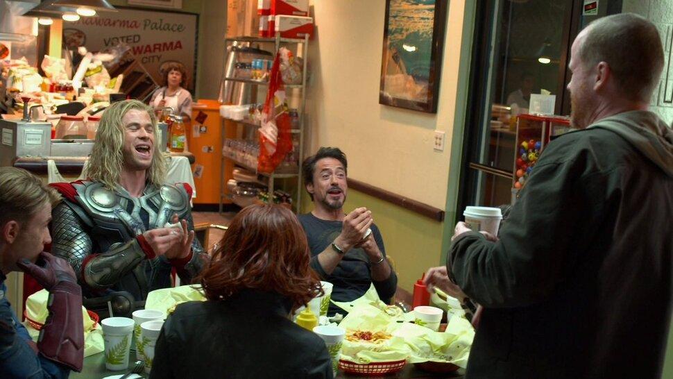 Сцена с шаурмой в «Мстителях» была вдохновлена спин-оффом «Баффи ― истребительницы вампиров»