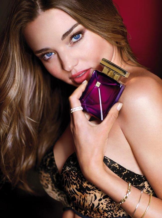 Миранда Керр в рекламной кампании аромата Seduction Dark Orchid и белья Victoria's Secret