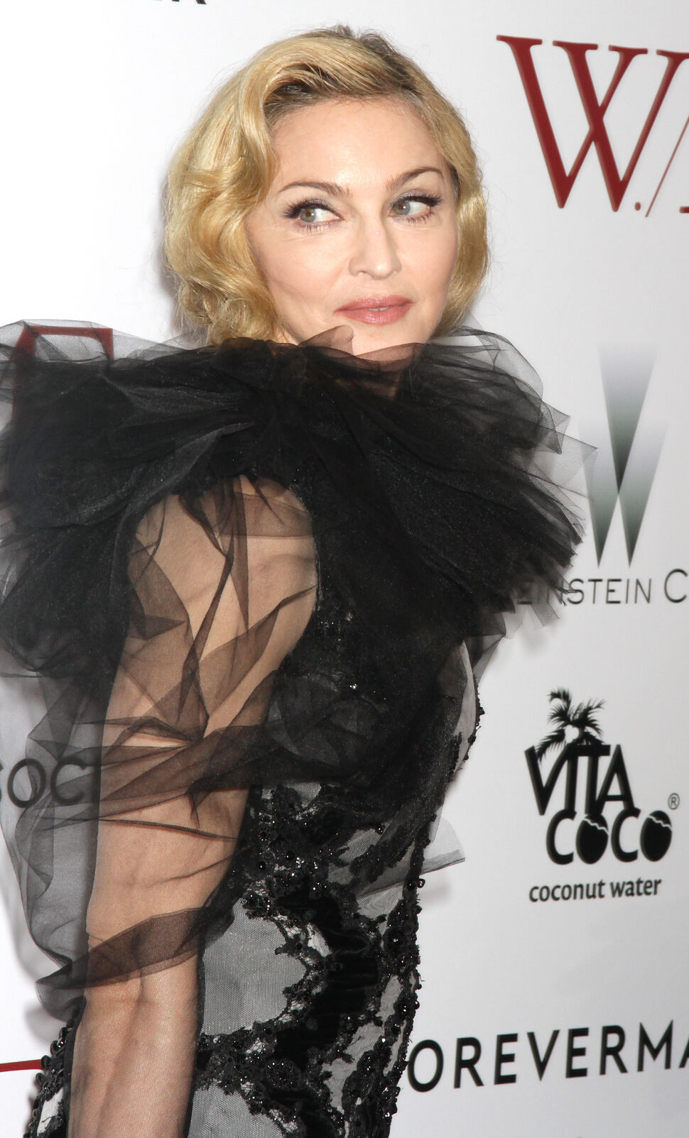 Мадонна заплакала на премьере своего фильма