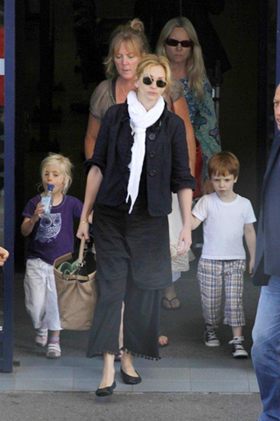 Джулия Робертс с семьей в Италии