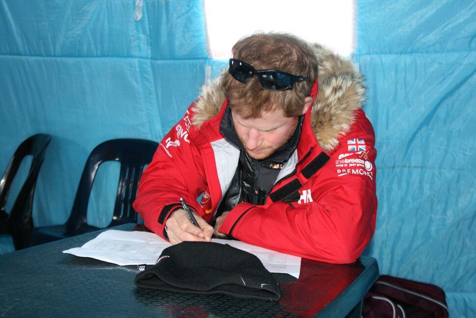 Экспедиция принца Гарри на Южный полюс приостановлена