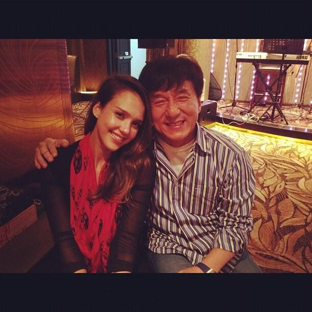 Звезды в Твиттере: Пинк попала в больницу, а Джессика Альба нашла национальное достояние Китая