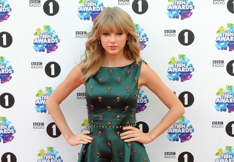 Тейлор Свифт выступит на шоу Victoria's Secret