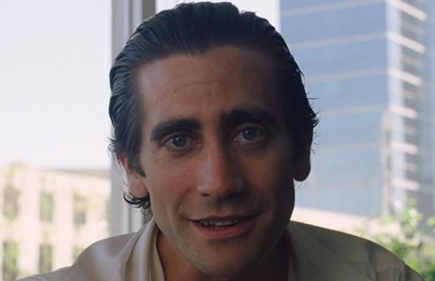 """Джейк Джилленхол ищет работу в тизере новой драмы """"Стрингер"""""""