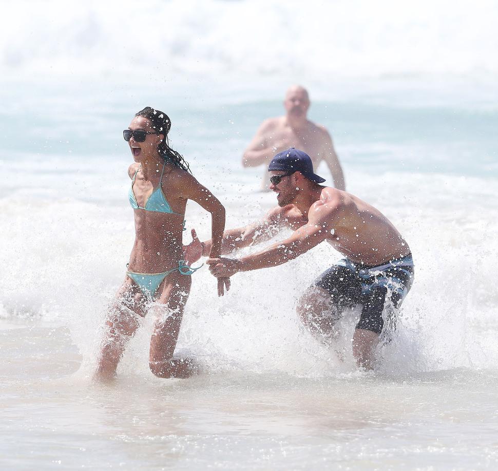 Келлан Латс и Шарни Винсон отдыхают в Сиднее
