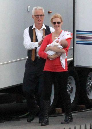 Дженьюари Джонс с сыном в Лос-Анджелесе