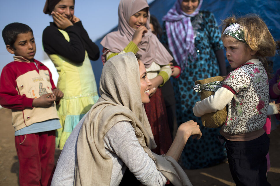 Анджелина Джоли встретилась с сирийскими беженцами