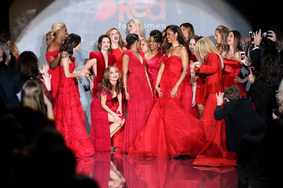 Звезды на благотворительном показе  The Heart Truth Red Dress Collection 2014