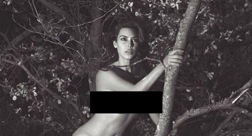 Ким Кардашьян снова сфотографировалась обнаженной