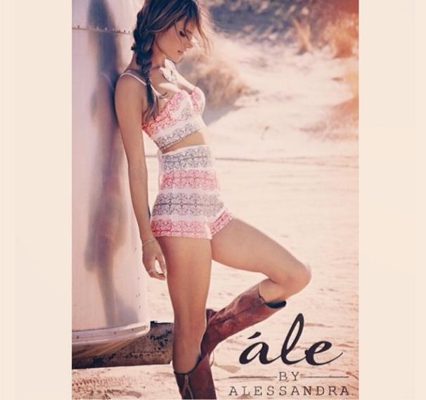 Алесандра Амбросио запускает собственную линию одежды