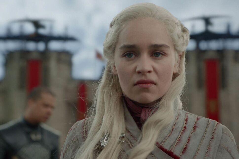 Шоураннеры «Игры престолов» объяснили внезапное безумие Дейнерис Таргариен в пятом эпизоде
