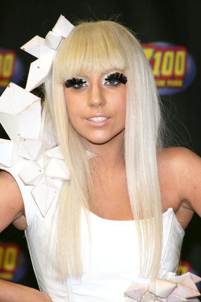 Lady GaGa - лучшая восходящая звезда по мнению Billboard