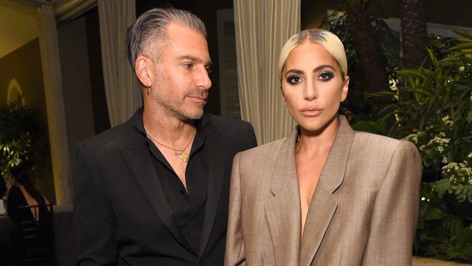 Леди Гага подтвердила помолвку с Кристианом Карино
