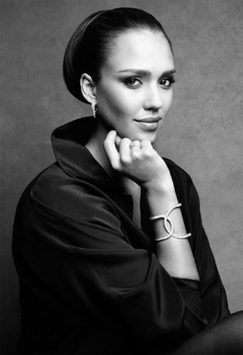 Джессика Альба стала лицом ювелирного бренда Piaget