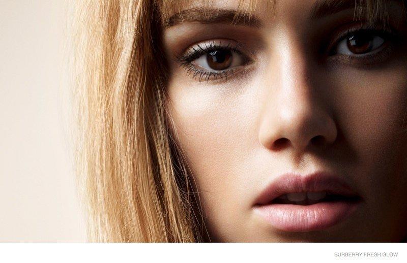 Сьюки Уотерхаус в рекламной кампании Burberry Fresh Glow