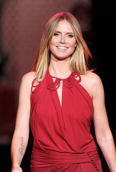 Звезды в красных платьях Heart Truth 2010