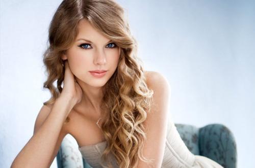 Тэйлор Свифт названа журналом Billboard «Женщиной года»