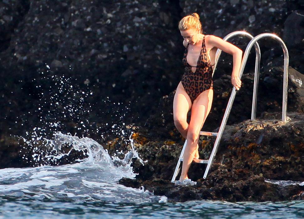 Кайли Миноуг проводит отпуск в Портофино