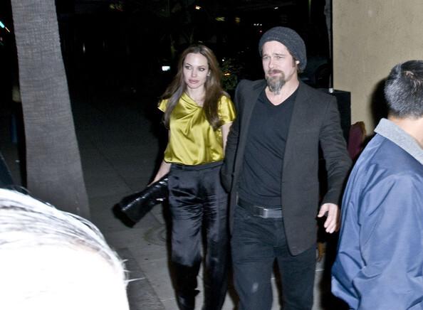 Анджелина Джоли и Брэд Питт в ресторане  La Dolce Vita