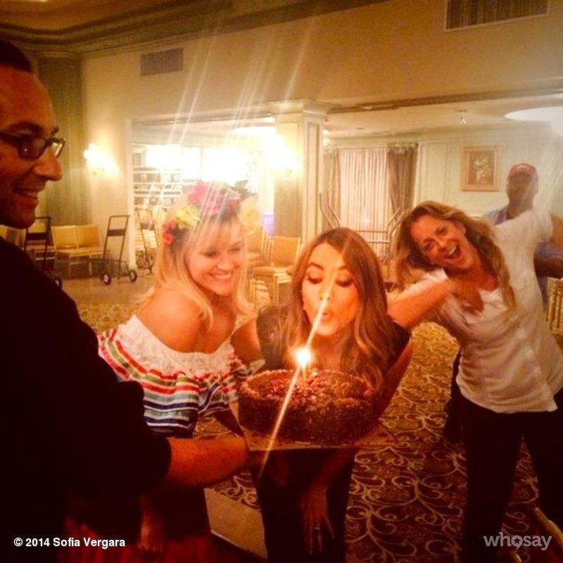 Звезды в социальных сетях: Крылатая Пэрис Хилтон и заплаканная Lady GaGa