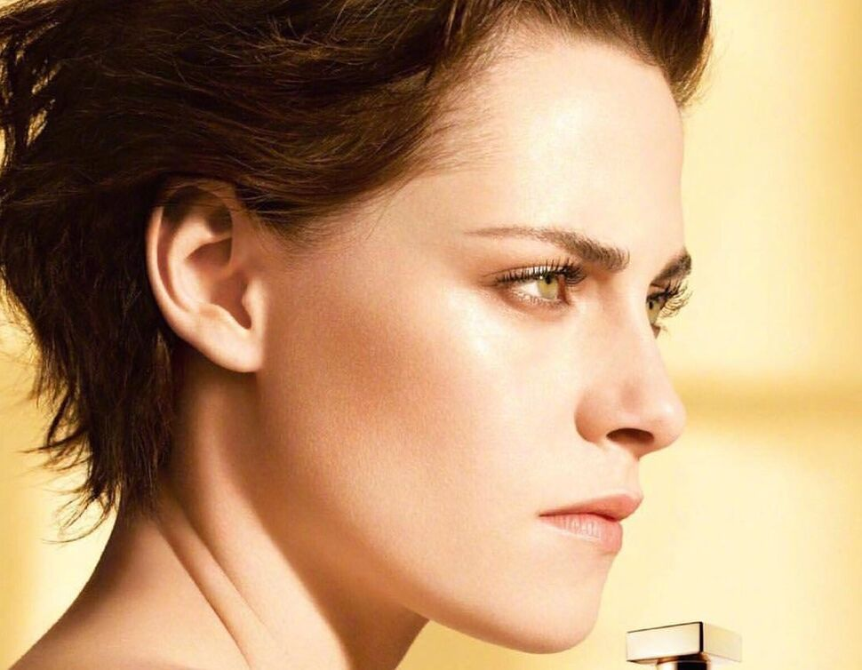 Новые кадры: Кристен Стюарт в рекламе аромата Gabrielle Chanel