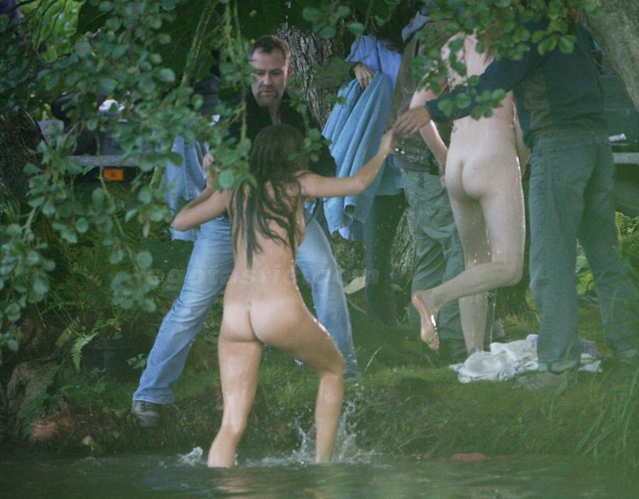 Сиенна Миллер решила полностью обнажиться для фильма