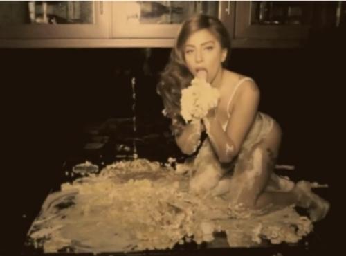 Тизер нового клипа Lady Gaga — Cake