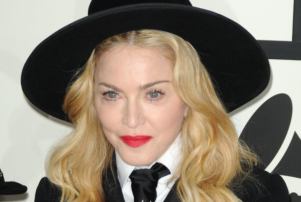 Мадонна экранизирует печальную любовную историю