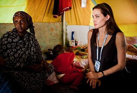 Анджелина Джоли рассказала о значении последней татуировки