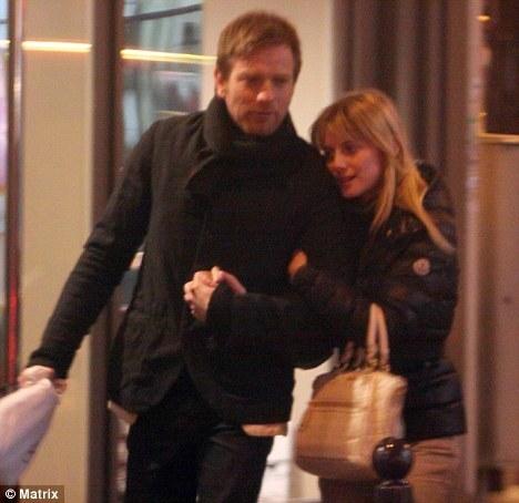 Юэн МакГрегор изменяет жене с коллегой по фильму?