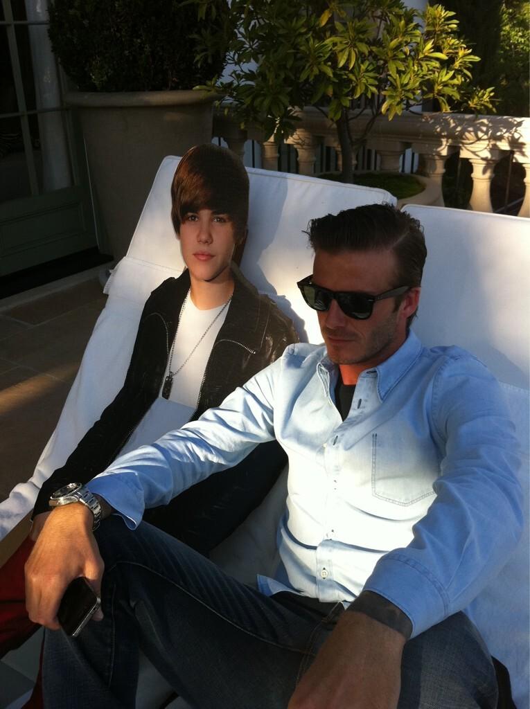 Дэвид Бэкхем принимает солнечные ванны вместе с Джастином Бибером